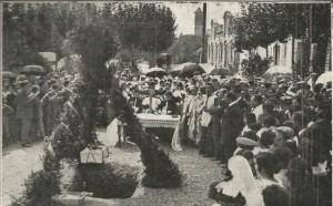 Col·locació de la primera pedra al monument a Granados, Cerdanyola, 1916.